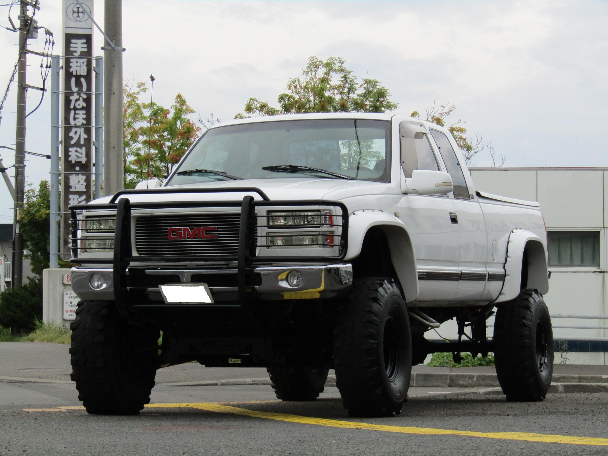 ●GMC シエラ 4×4 K1500トラック リフトアップ